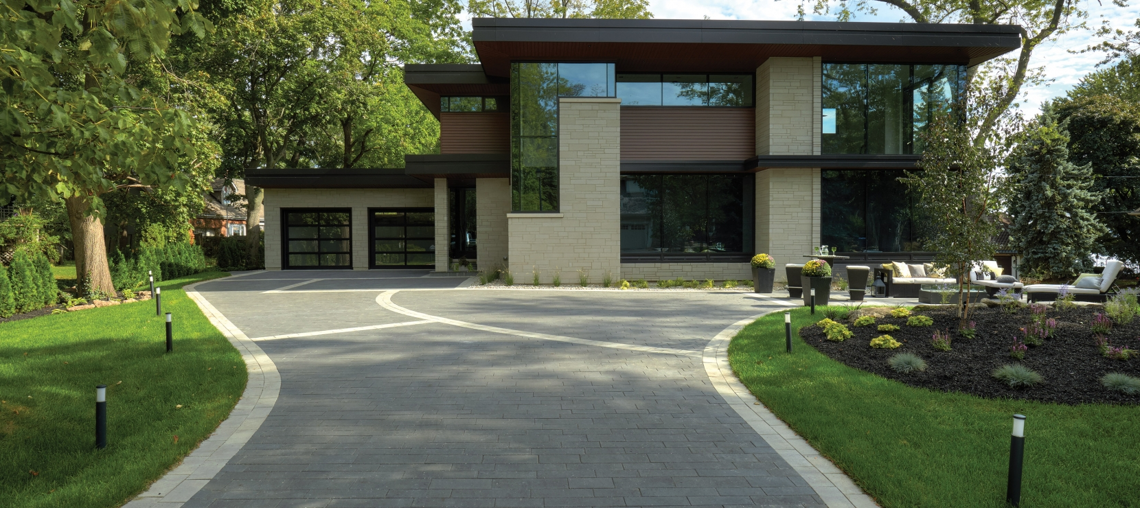House with driveway using Presidio and Contempo products from Brampton Brick