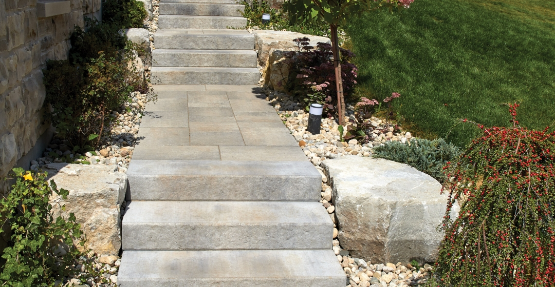 Walkway using Aria Step and Rialto 50mm products from Brampton Brick