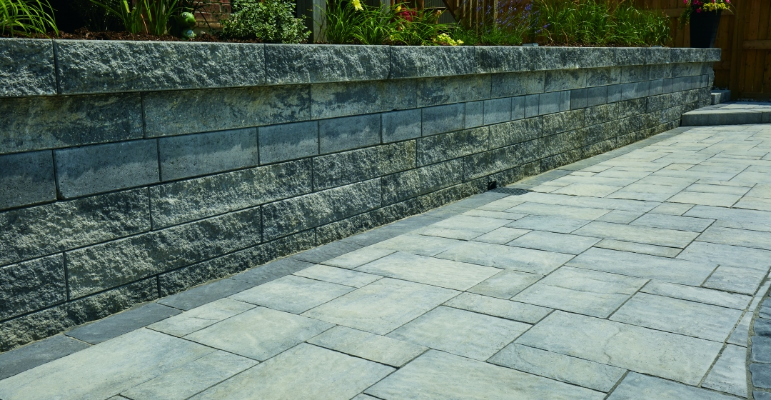 Walkway using Proterra™ Split, Proterra™ Smooth and Villanova products from Brampton Brick
