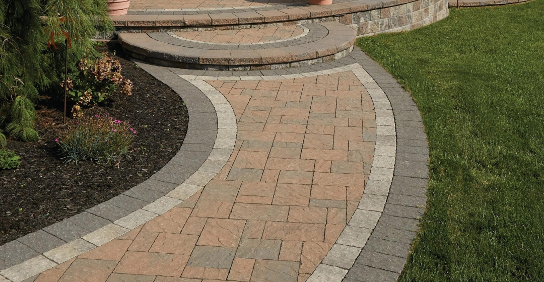Patio using Ridgefield Plus, Centurion and Ortana products from Brampton Brick