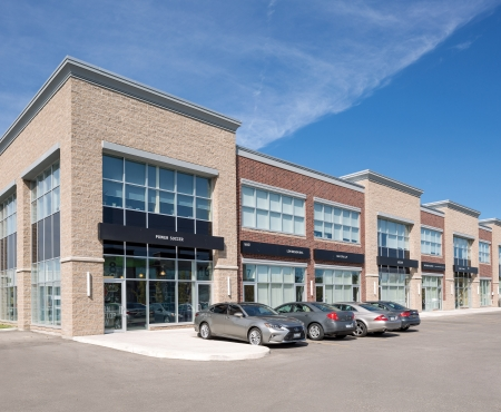 Commercial building using Architectural Block, Finesse Series and Historic Series products from Brampton Brick
