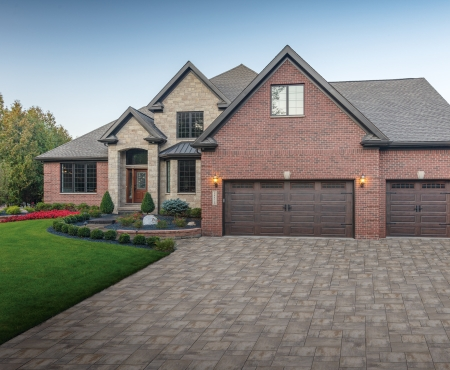 House using Vivace products and driveway using Nueva products from Brampton Brick