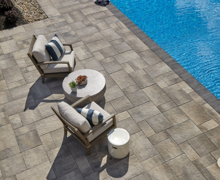 Patio with pool using Rialto and Cassina Coping products from Brampton Brick